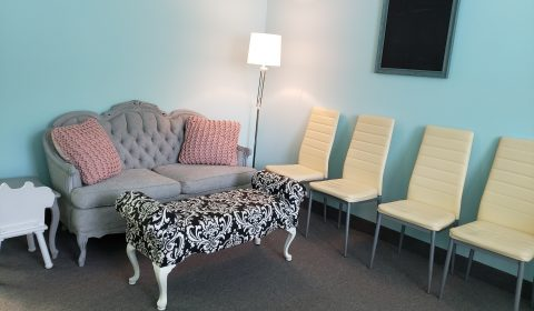 3D Baby Boutique seating for friends and family to enjoy 3D ultrasound session